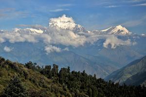 Traumhafte Aussicht auf den Himalaya Hauptkamm - wanderauszeit