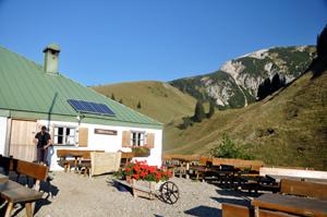 Zipfelsalpe-Wanderurlaub-Tannheimer-Hoehenwege-wanderauszei